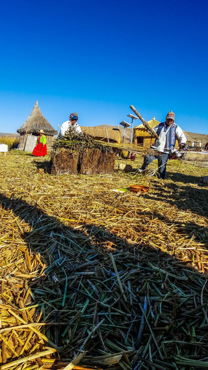 Titicacasjøens flytende øyer