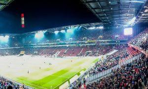 En ikke helt vanlig fotballkamp i Köln