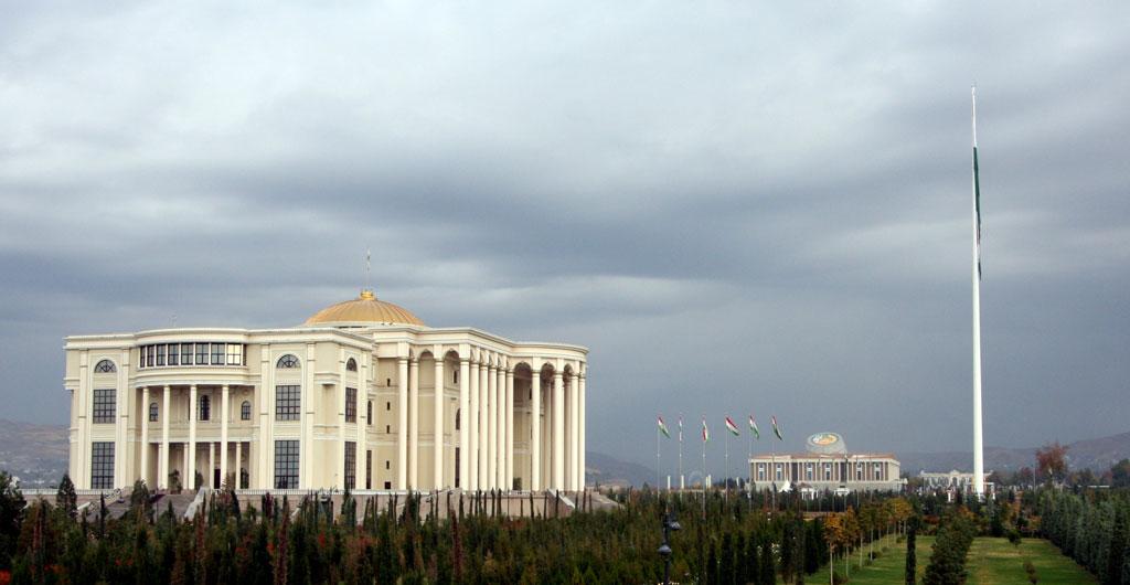 Verdens nest høyeste flaggstang i Dusjanbe, Tadsjikistan