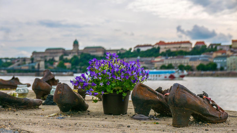 Jernskoene ved Donau, Budapest