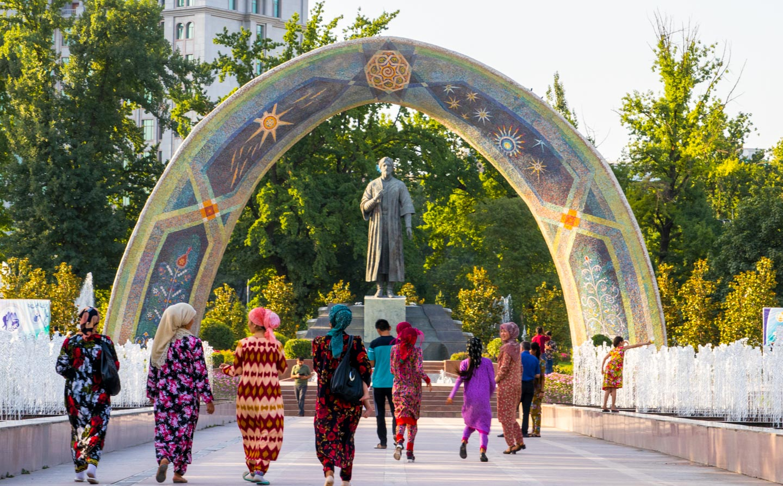 Rudaki-monumentet Dusjanbe Tadsjikistan