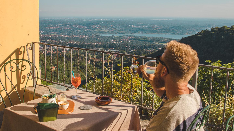 Colonne Hotel og Restaurant ved Santa Maria del Monte i Varese.